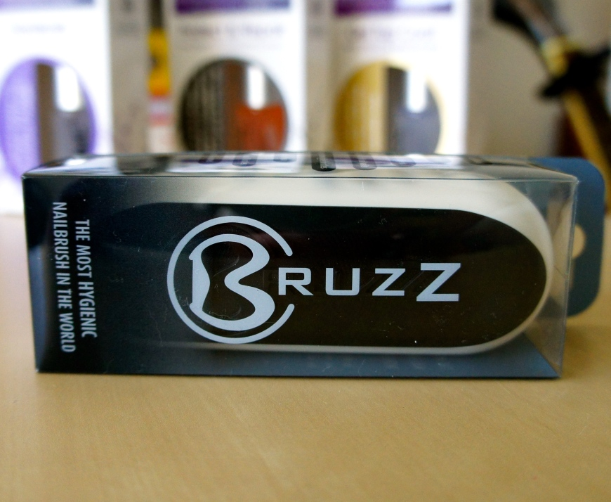 The BruzZ nail brush