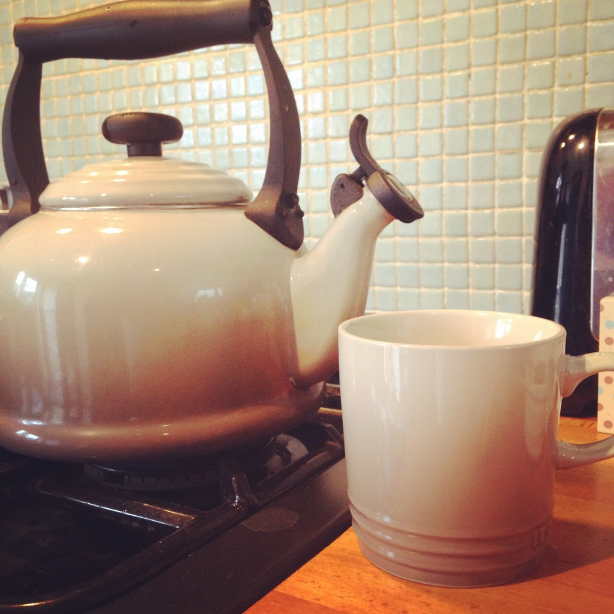 le creuset mug and kettle
