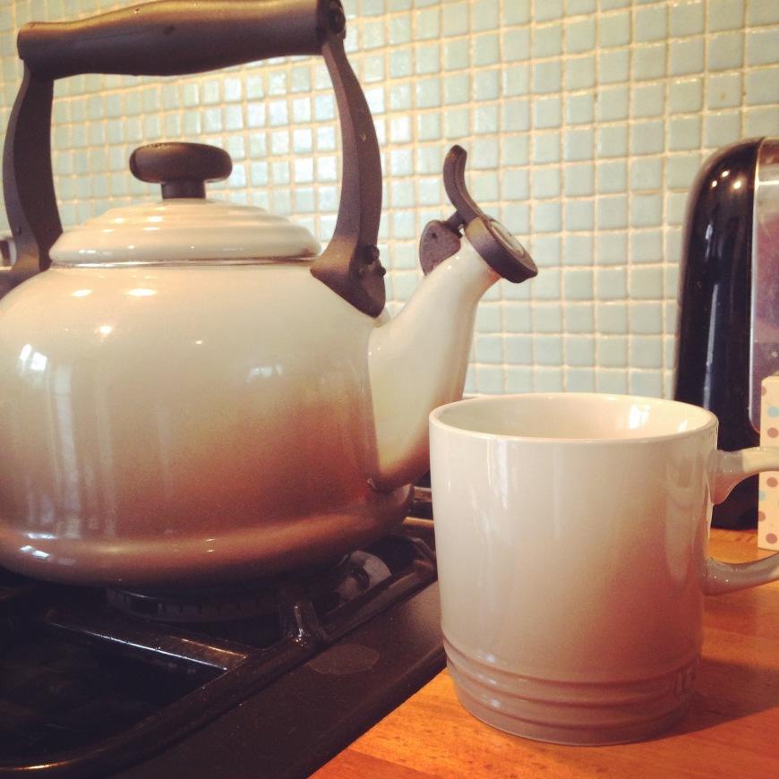 le creuset mug and kettle